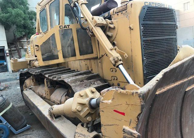 cat d8k bulldozer with rear ripper - stock